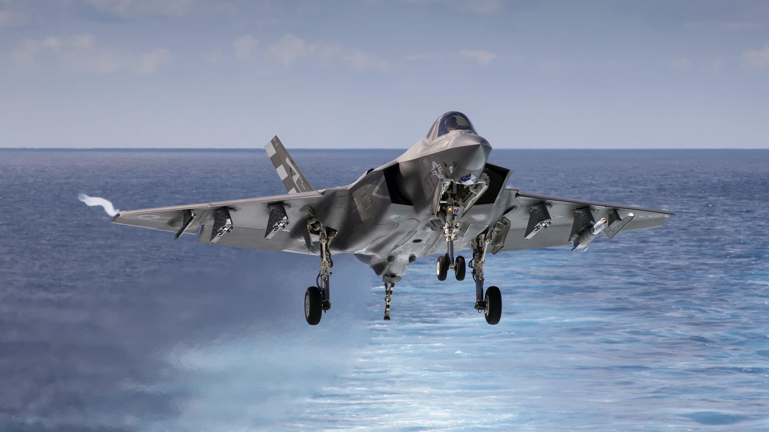 lockheed-martin-f-35-lightning-ii-2560x1440-stealth-fighter-us-air-2136_1.jpg